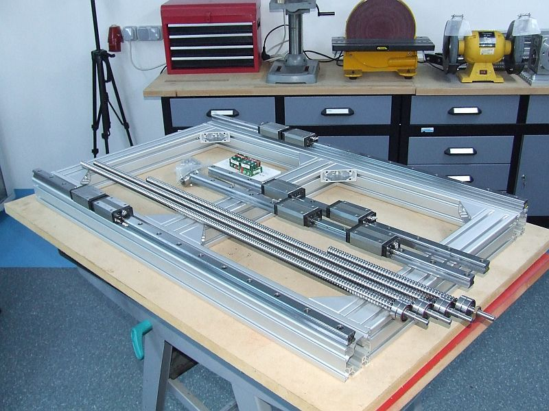 Build Thread cnc router , aluminum frame , pics only