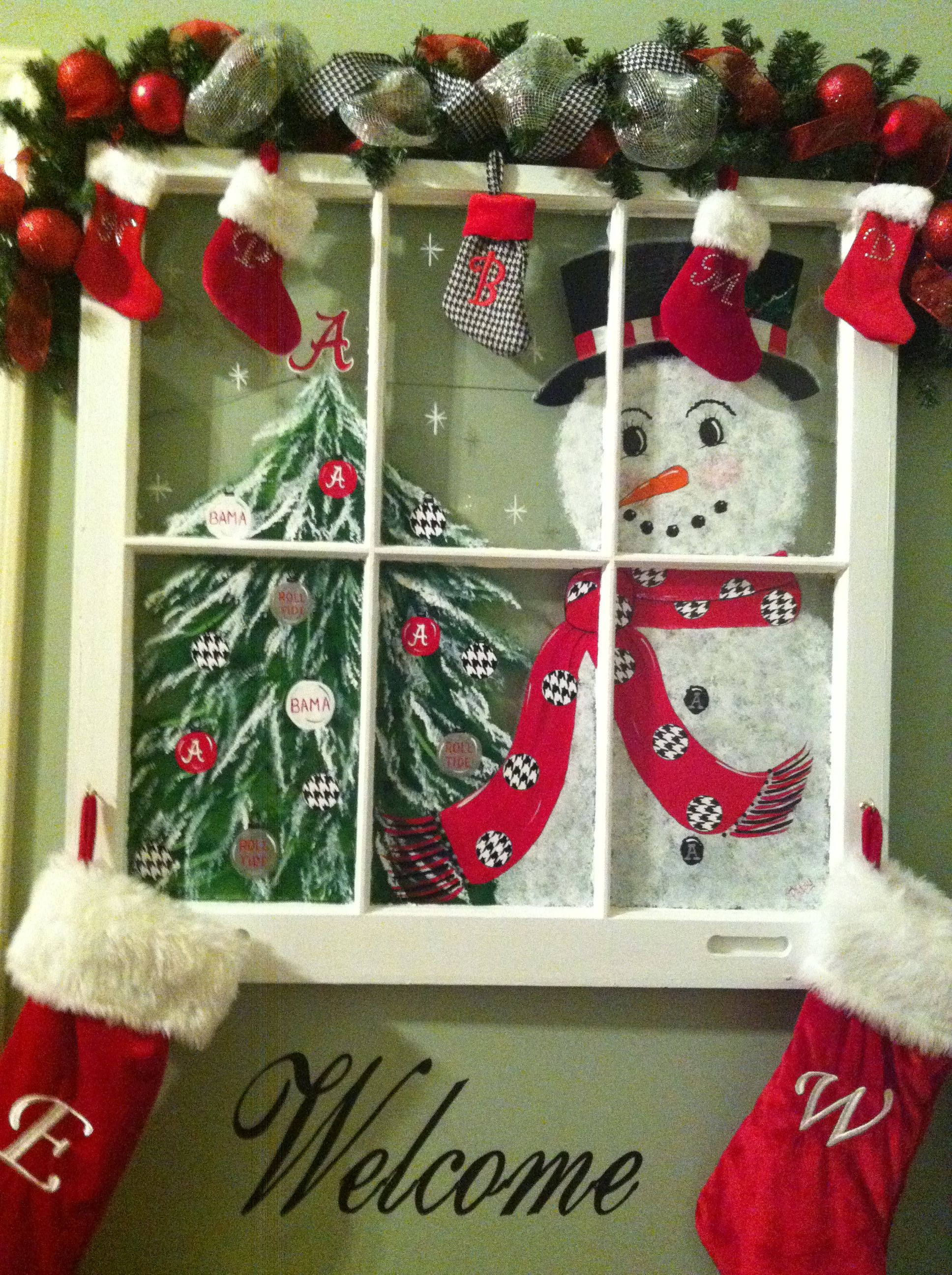 A way to customize a window for the holidays a valance