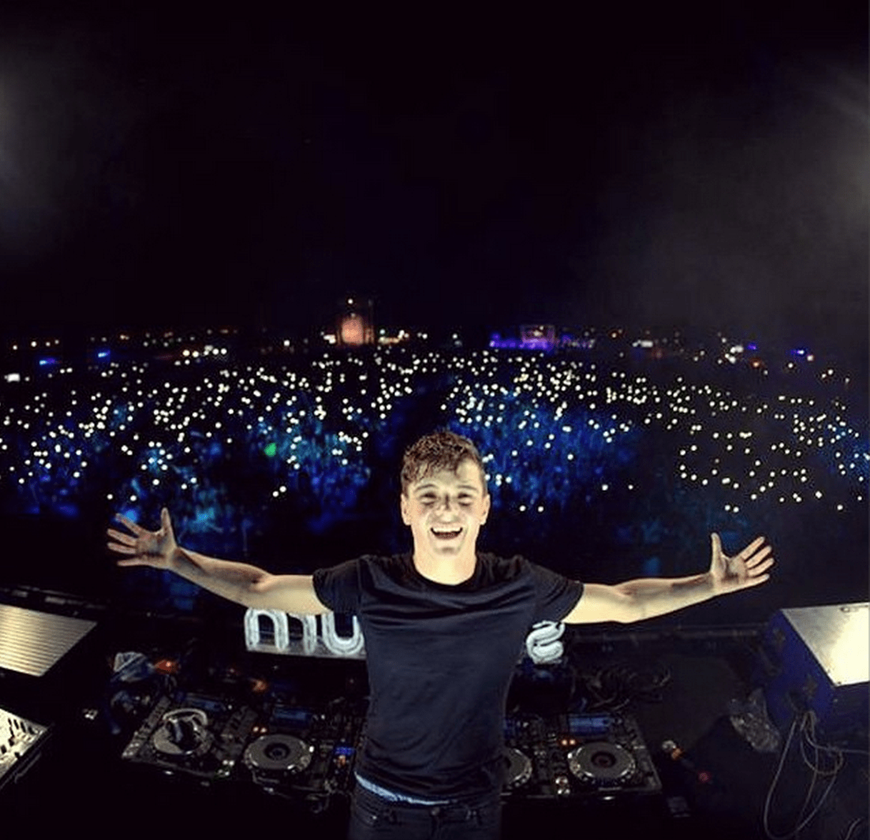 Huge thanks to Martin Garrix for making our experience at