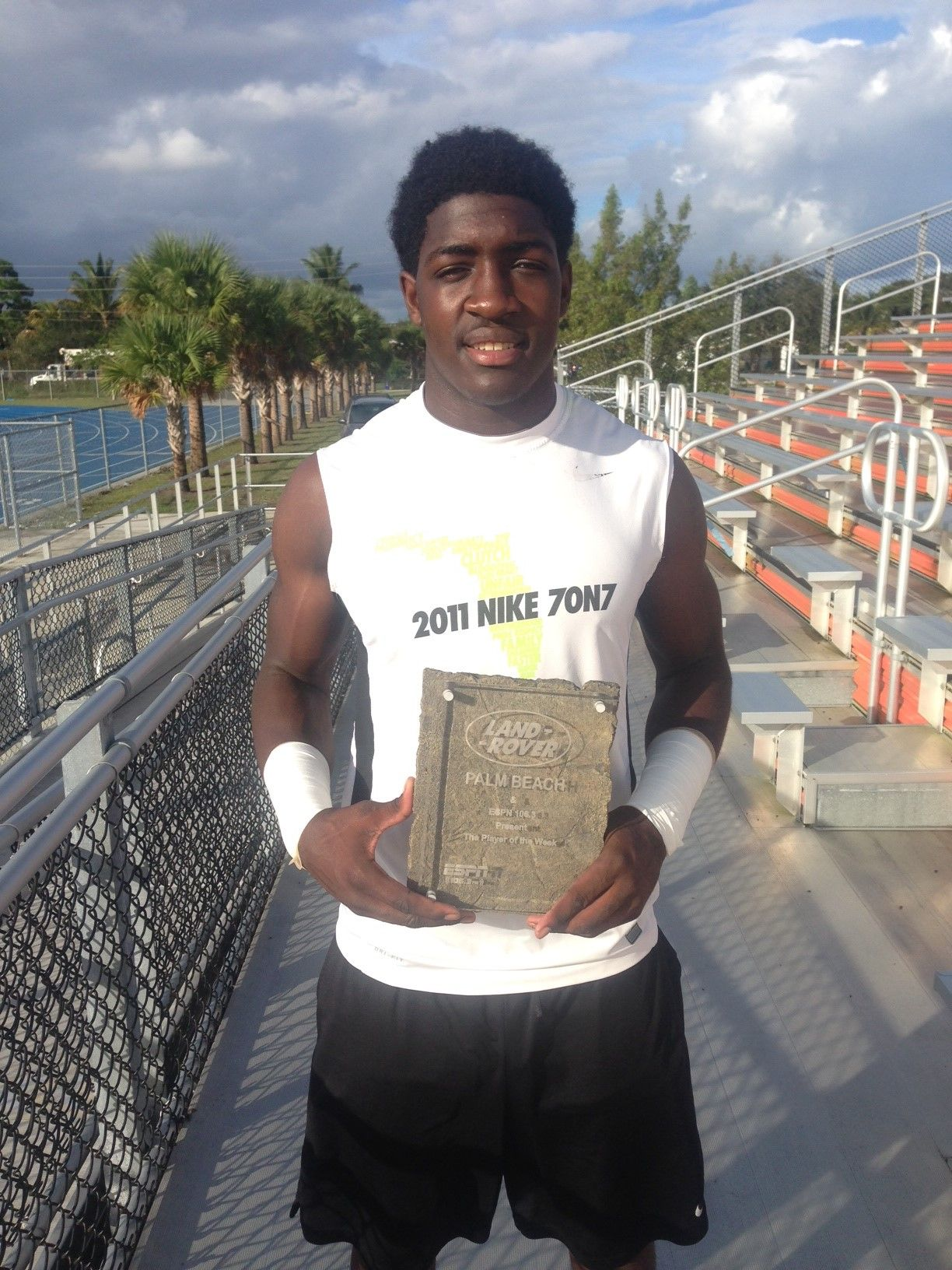 Land Rover Player the Week Player Tevon Coney School Palm