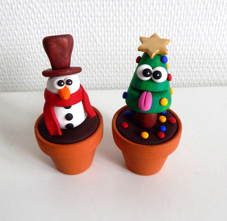 sapin de noel et bonhomme de neige decoratif en fimo dans un pot en terre cuite plante de noel idee deco marrante et insolite 100 fait main sur l art