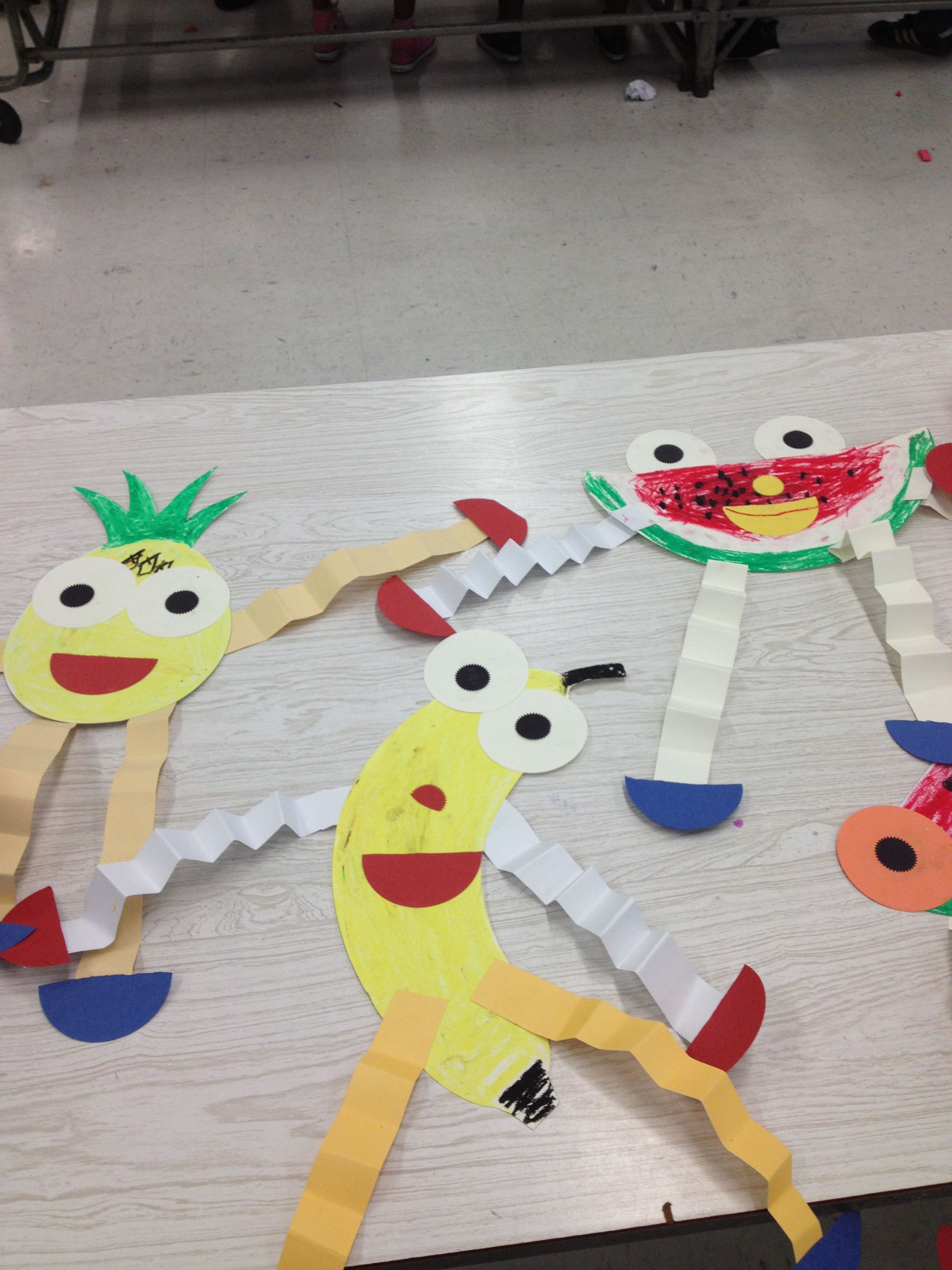 Making Paper Fruit Puppets Teaching Preschoolers The