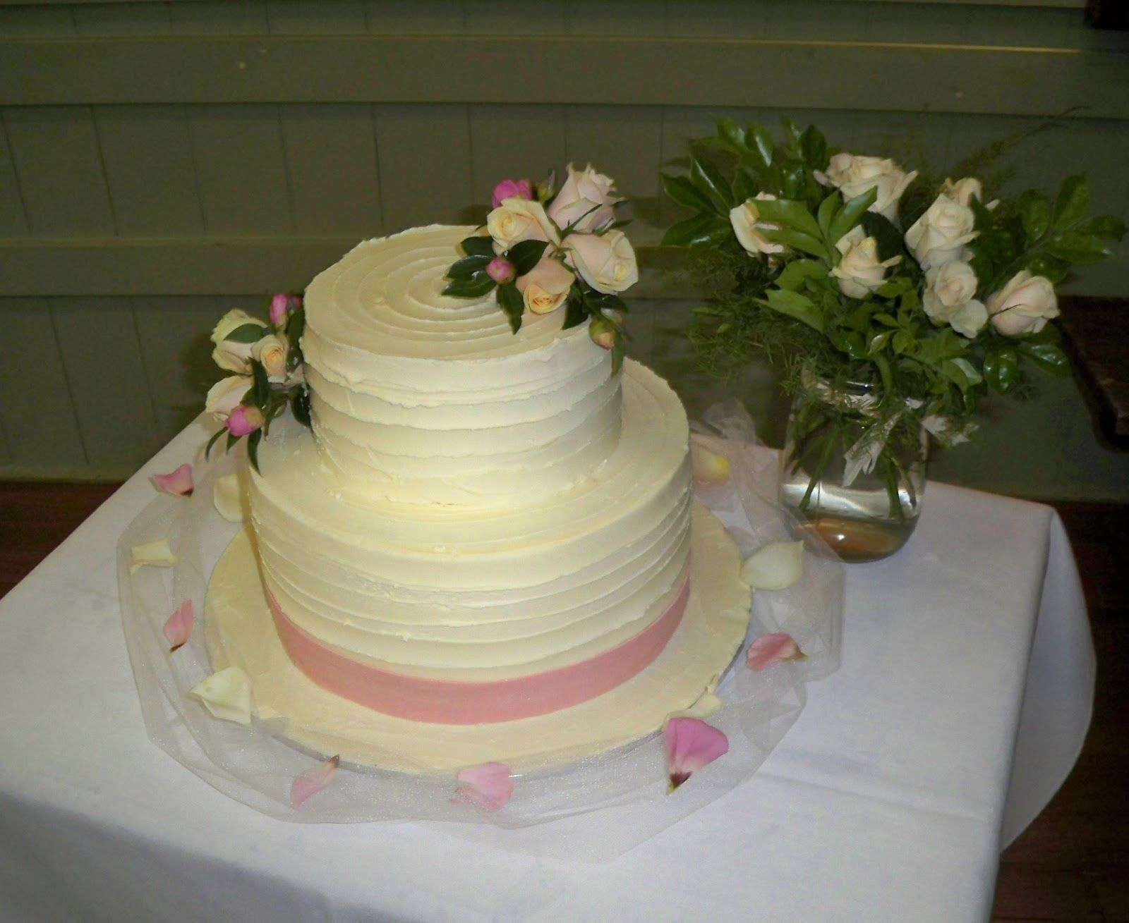 single layer wedding cakes simple 2 tier textured