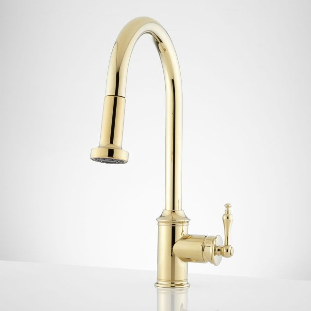 sleek simple & it s gold in colour i don t know anyone that