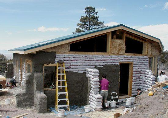 """Résultat de recherche d'images pour """"earthbag house"""""""