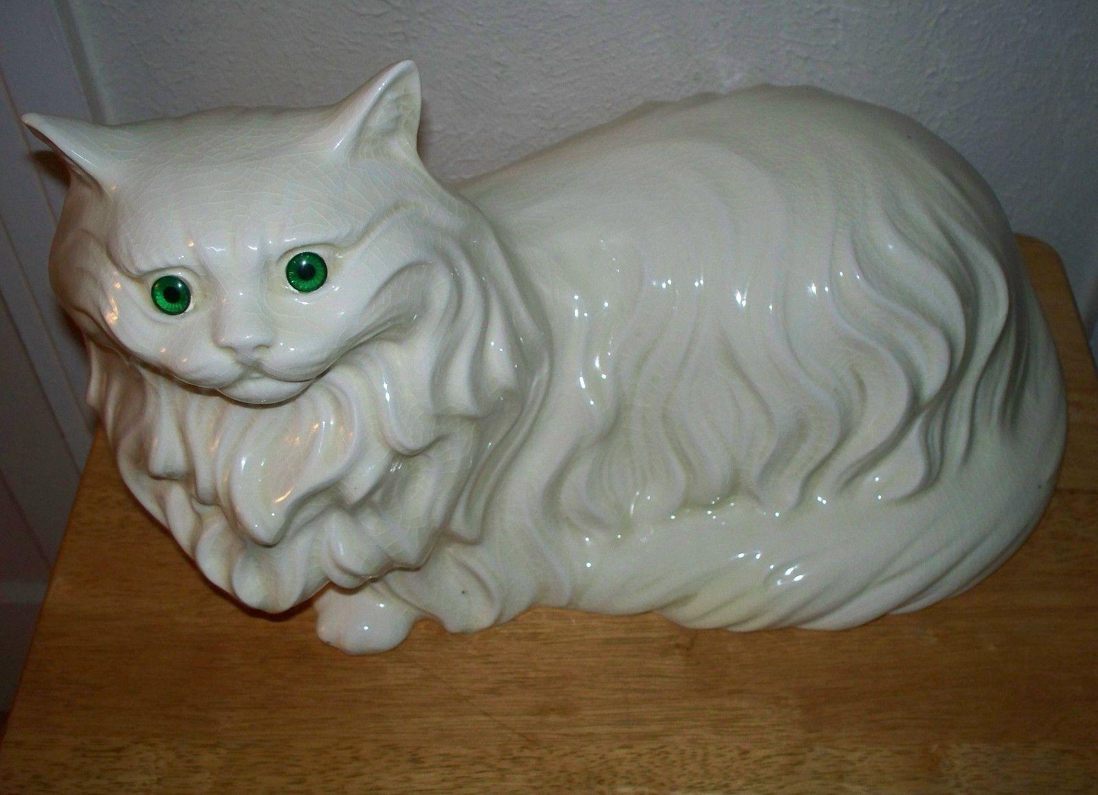 Vintage Large White Persian Cat with Gree Eyes Ceramic