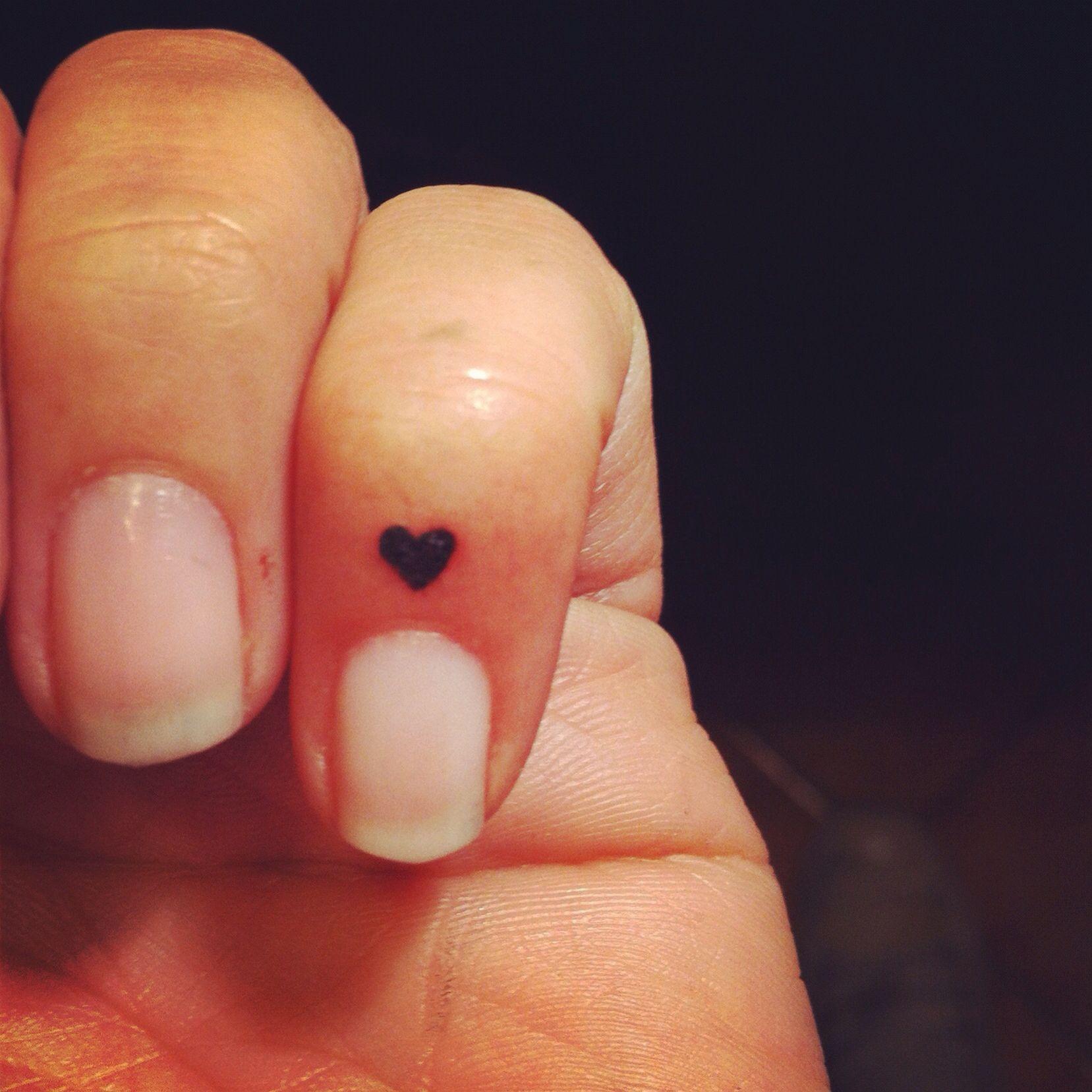Micro heart Tattoo.. Sooooo cute! My WorkS ® Pinterest