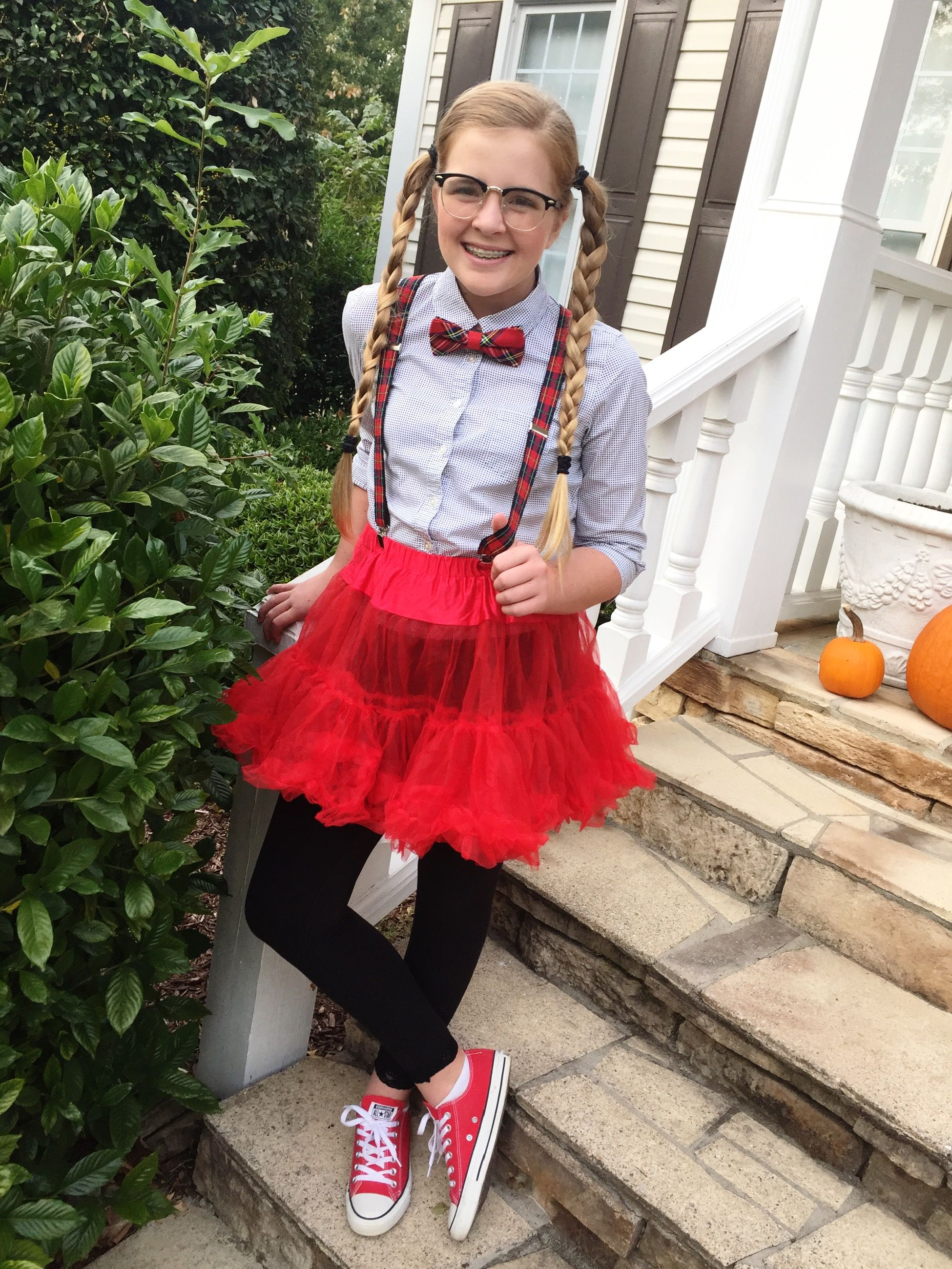 Tween Nerd Costume cheap and easy! Super cute modest