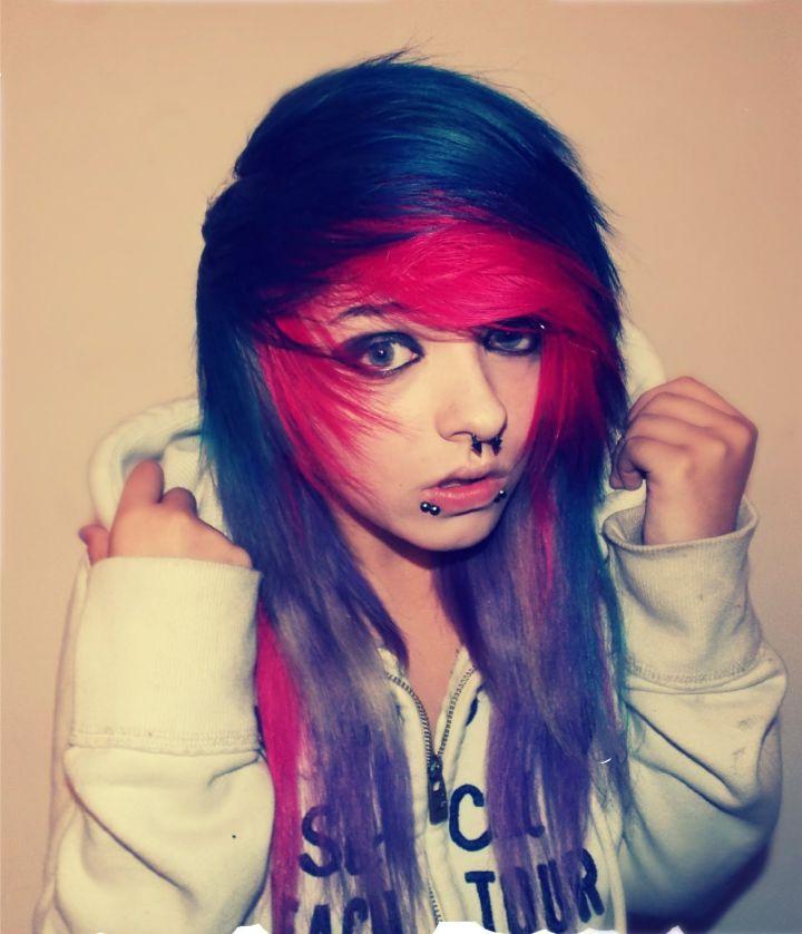 half pink half blue hair Поиск в Google