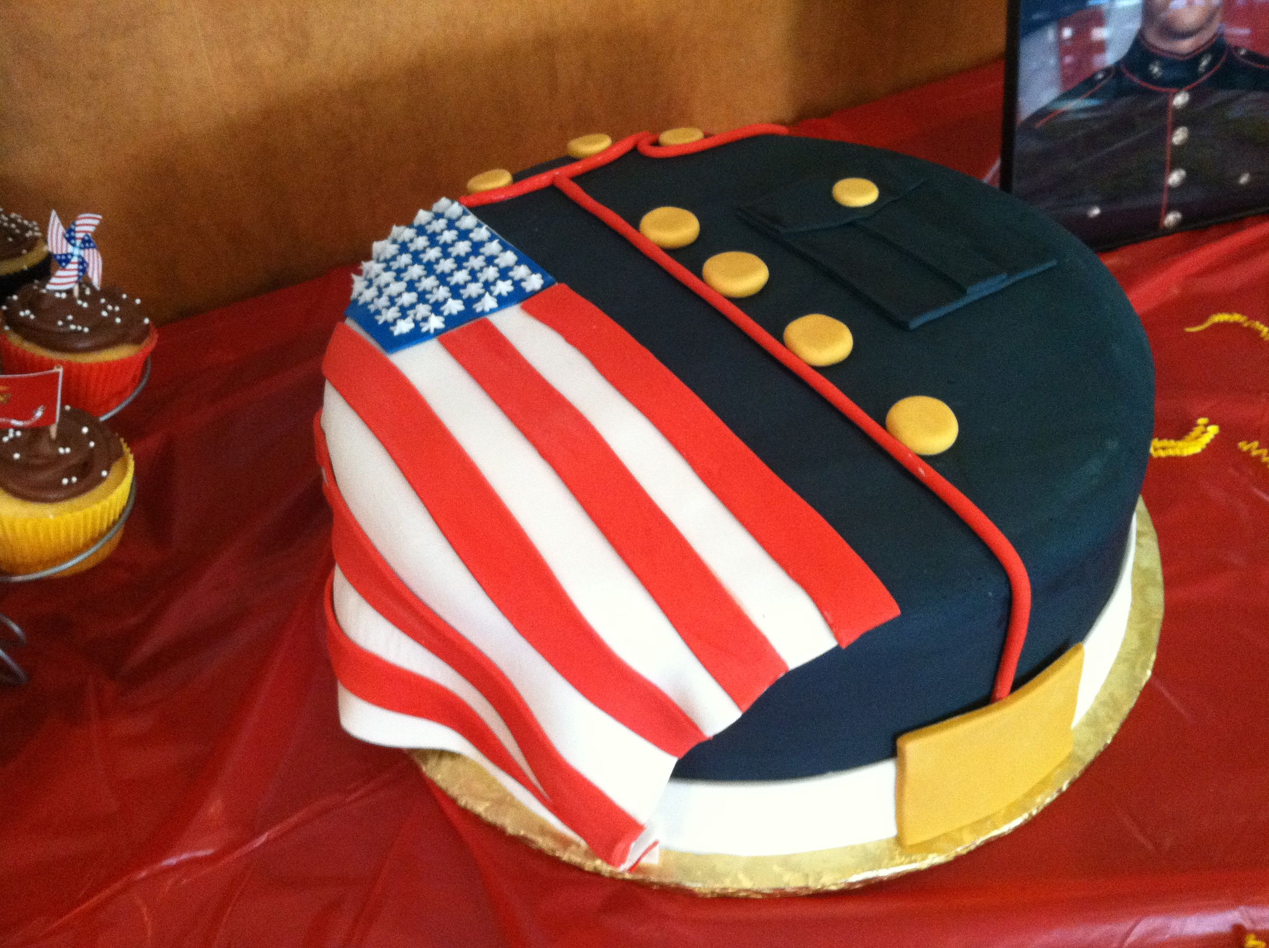 USMC cake made by cakesbymandy Marine Corps