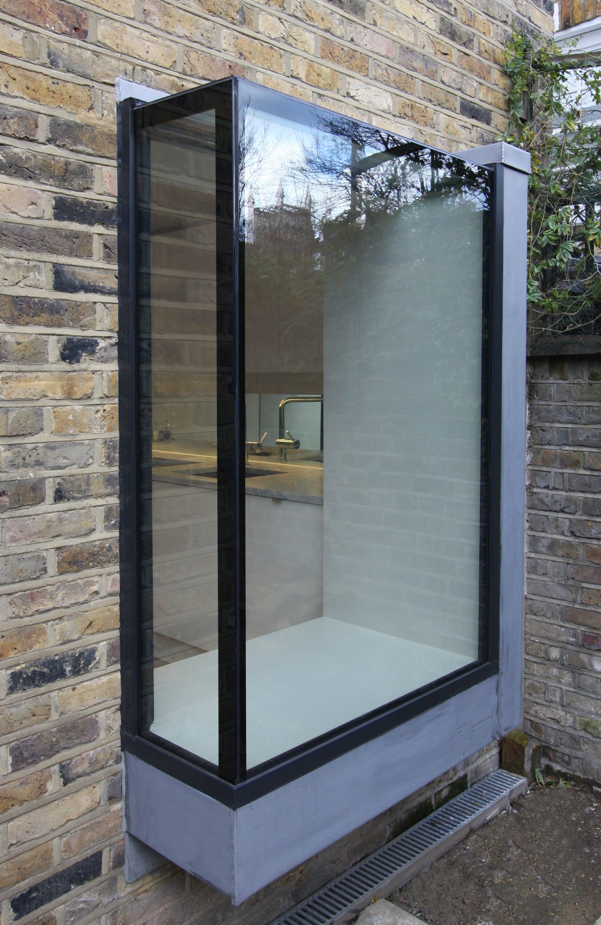 frameless glass box seat to residential property www