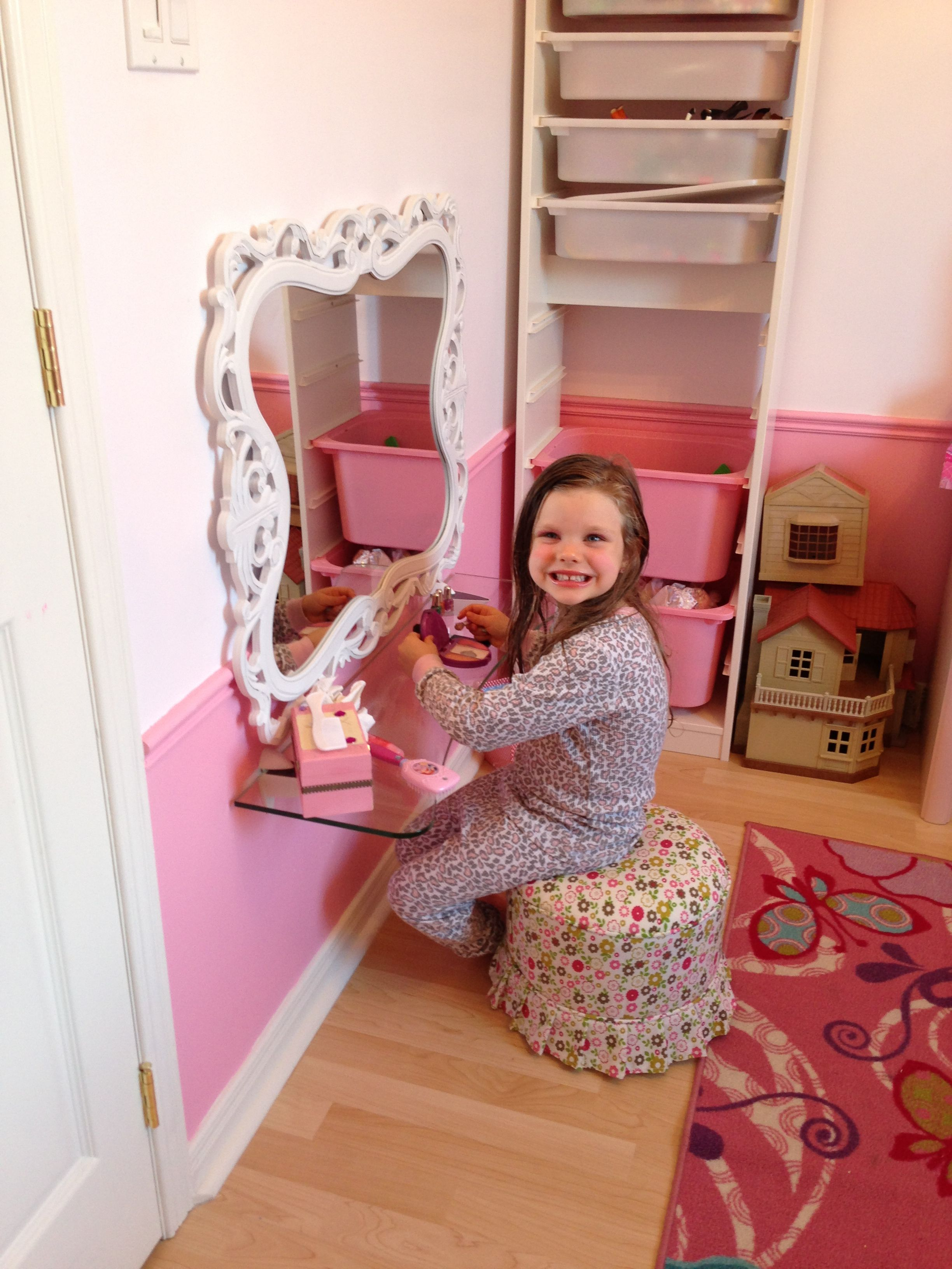 DIY vanity for 5 year old princess! Small space solution