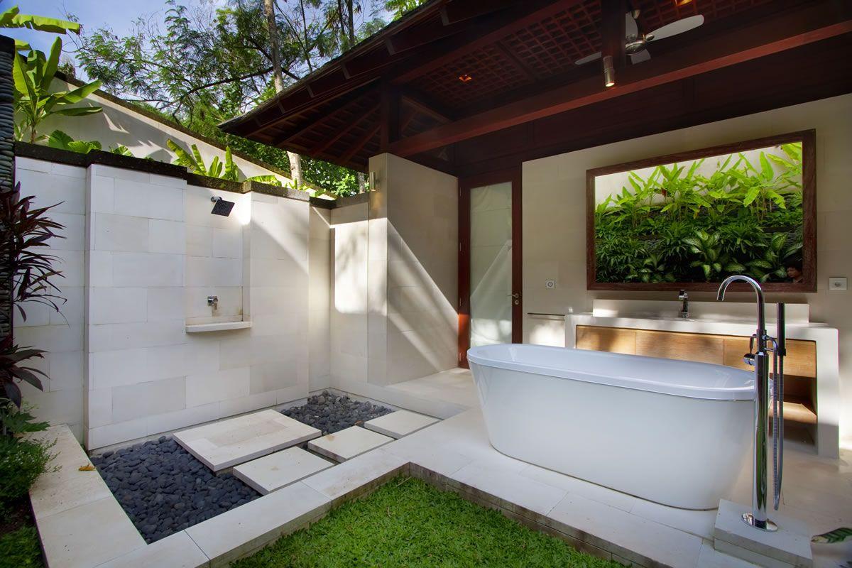 Garden View Bedroom En-suite Bathroom