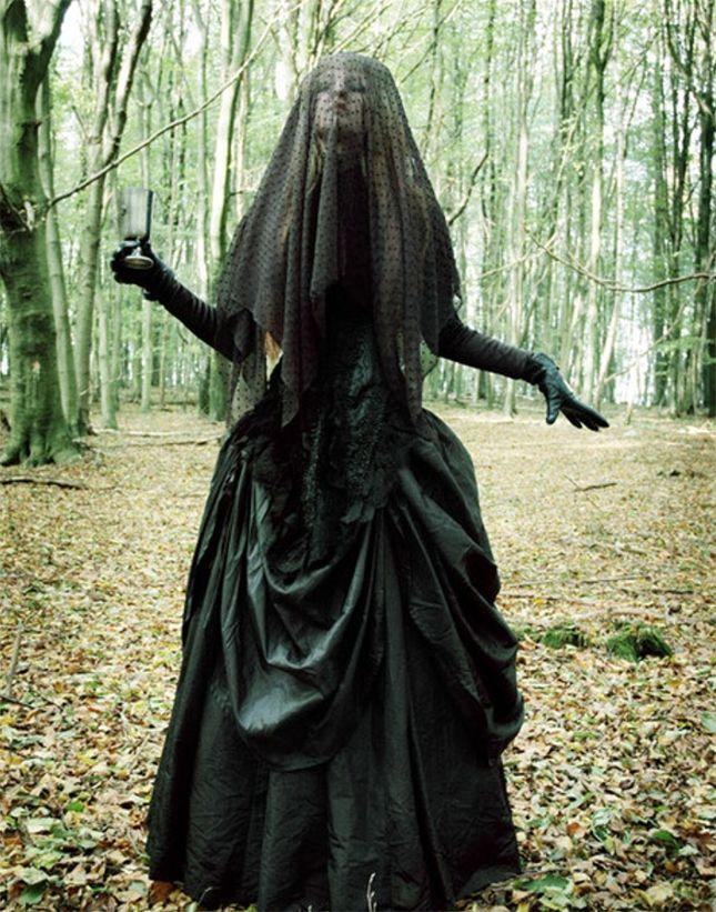 14 Scary Chic Halloween Costumes Chic halloween