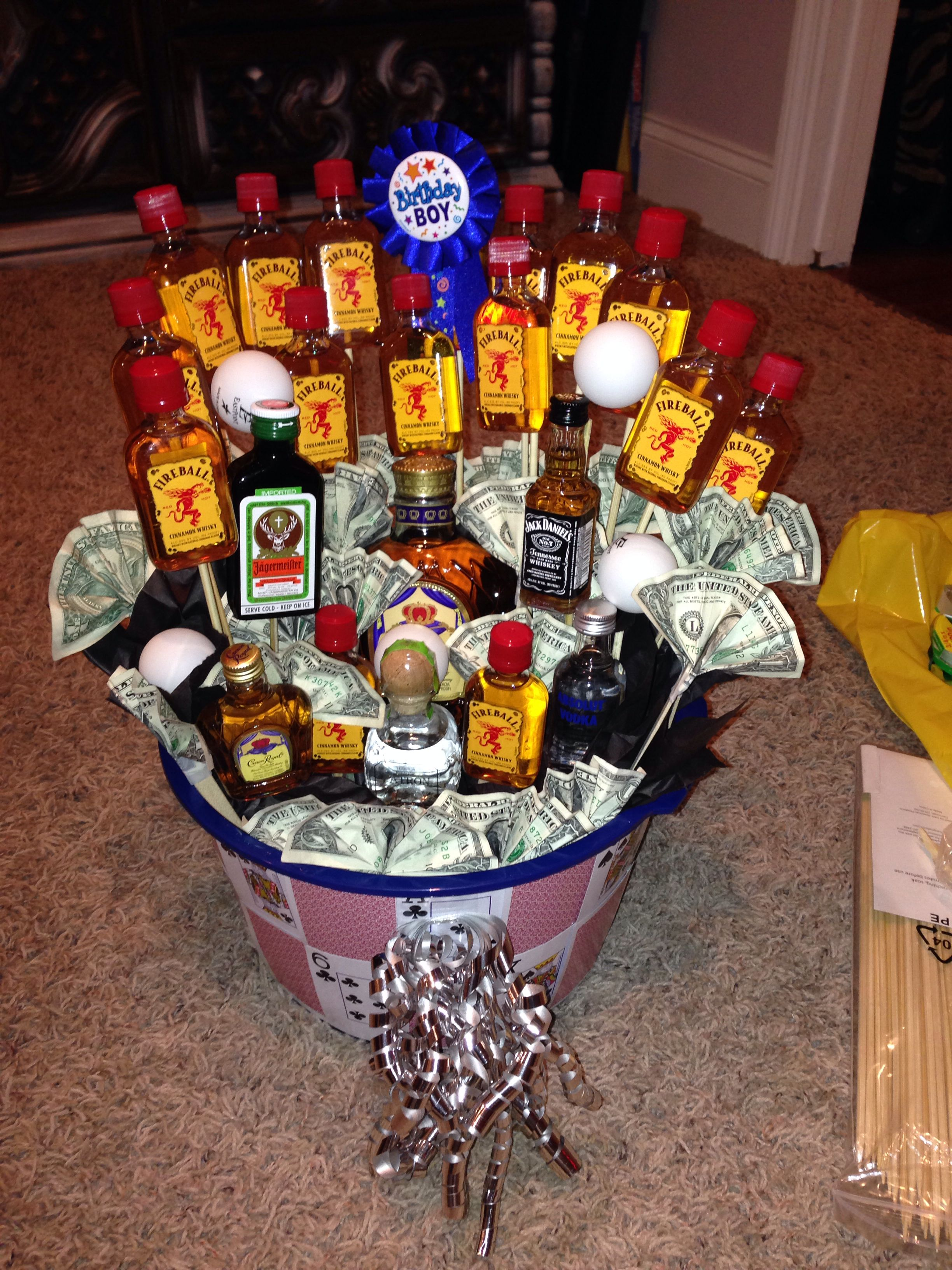 21st birthday basket for boyfriend! DIY; get crafty