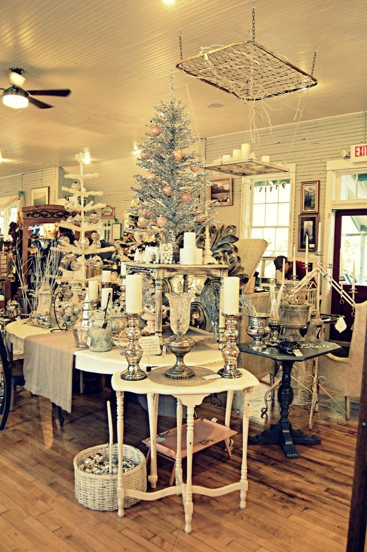 Christmas Decorating & Merchandising Ideas http//www