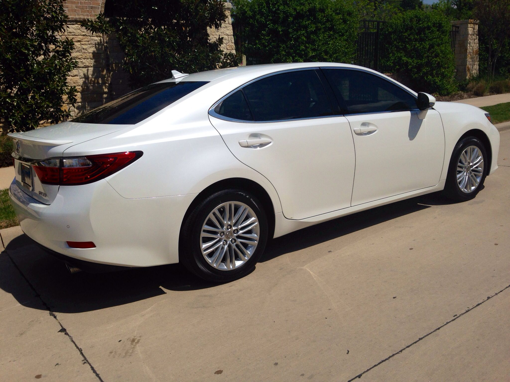 Starfire Pearl paint on Lexus is gorgeous Let this upgrade your