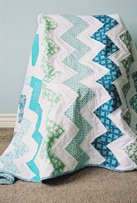zig zag quilt Need 7 quarter yards (not fat quarter) of solid and 7 of pattern 1