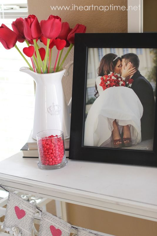 Love this wedding photo idea…