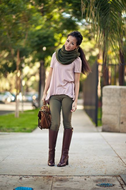 Fall Colors-9:: Outfit ::  Top :: Marni  Bottom :: Current/Elliott  Accessories