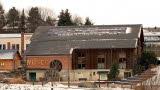 Les panneaux photovoltaïques installés par l'association Énergie citoyenne de la Weiss sur le toit du Musée du bois à Labaroche voici 9 ans. PhotoL'Alsace/
