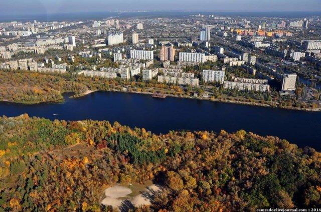 Виноградарь, Воскресенка и ДВРЗ: микрорайоны Киева и почему они так называются, Photo: Воскресенка Camrador
