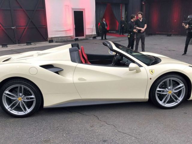 PHOTO: A Ferrari 488 Spider.