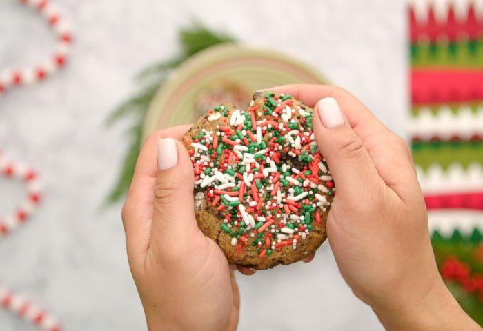 Oreo Birthday Cake Cookies With Christmas Sprinkles Video Abc News