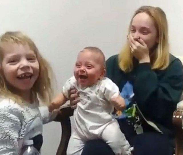 Video Baby With Hearing Loss Hears Sister For First Time And Our Hearts Can