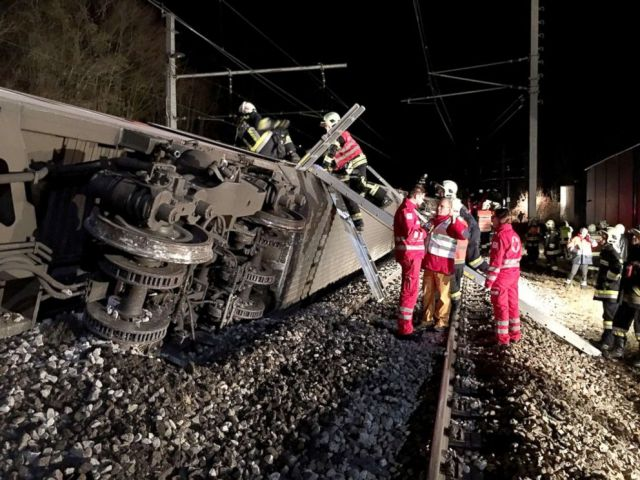 PHOTO: Emergency services members work at the scene where two passenger trains collided causing several carriages to derail in Kritzendorf, Lower Austria on Dec. 22, 2017, in this Handout photo made available by the Lower Austrian Fire Department.