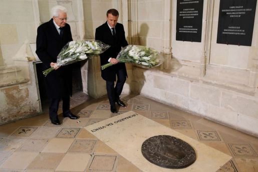 PHOTO:French President Emmanuel Macron and Italian President Sergio Mattarella at the tomb of Italian renaissance painter and scientist Leonardo da Vinci during a visit at the Chateau dAmboise, in Amboise, south of Paris, May 2, 2019.