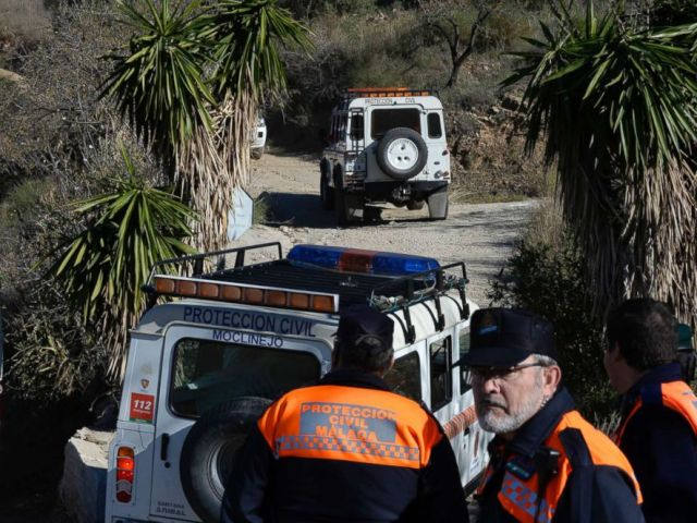PHOTO: Emergency services look for a 2 year old boy who fell into a well, in a mountainous area near the town of Totalan in Malaga, Spain, Jan. 14, 2019.