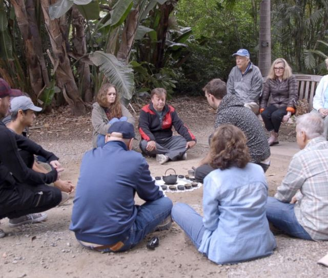 Photo Forest Bathing Participants Sit At The Los Angeles County Arboretum And Botanic Garden