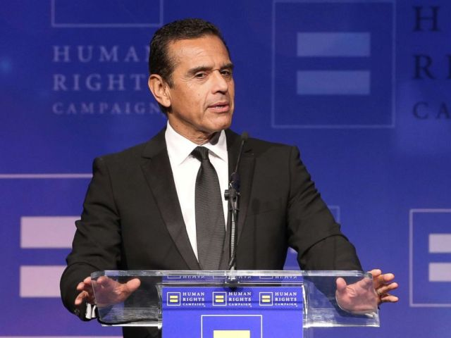 PHOTO: Antonio Villaraigosa attends the Human Rights Campaigns 2017 on March 18, 2017, in Los Angeles.