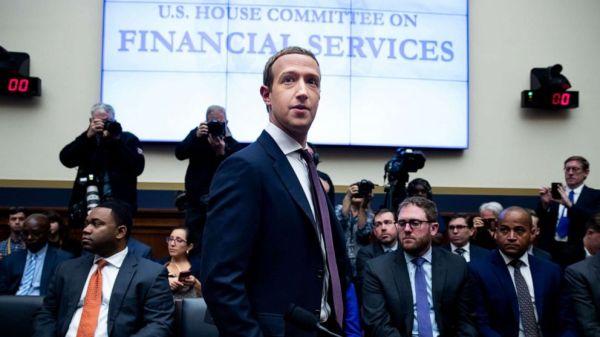 Facebook gives politicians a