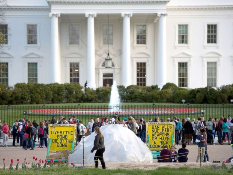 PHOTO: The White House Peace Vigil tent, setup in 1981, is seen near the White House, a day before the nuclear security summit on March 30, 2016 in Washington, DC.