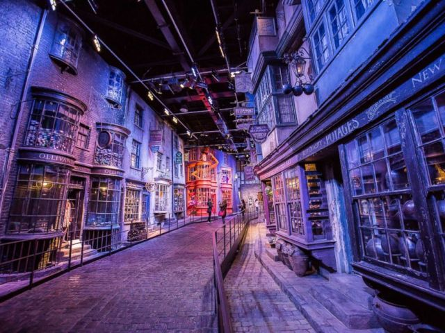PHOTO: Warner Bros Studio: The Making of Harry Potter with Luxury Round-Trip Transport from London