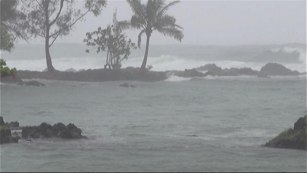 Tropical Storm Iselle Rips Through Hawaiian Islands Video