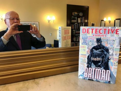 Batman fan Sen. Patrick Leahy writes comic book's foreword - ABC News