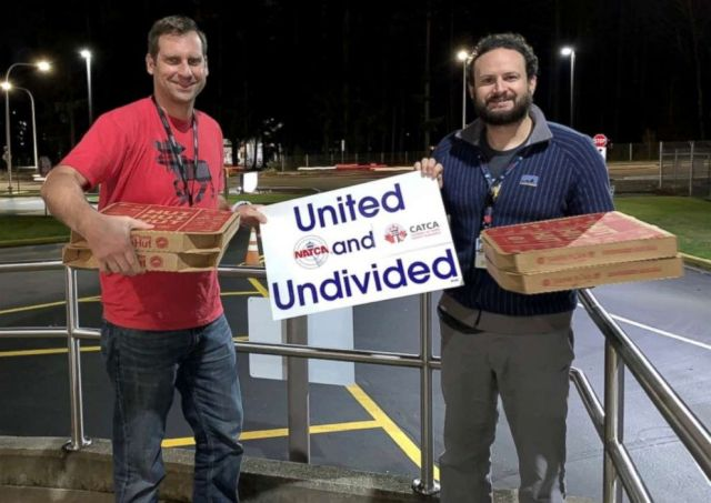 Air traffic controllers in Seattle were sent pizzas from their Canadian counterparts as part of a show of solidarity amid the ongoing U.S. government shutdown.