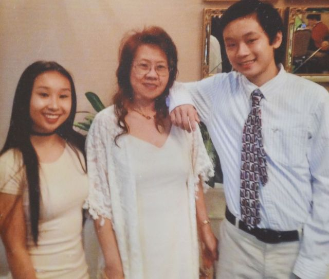 Photo An Undated Photo Of Missing Teenager Amy Yu And Her Family