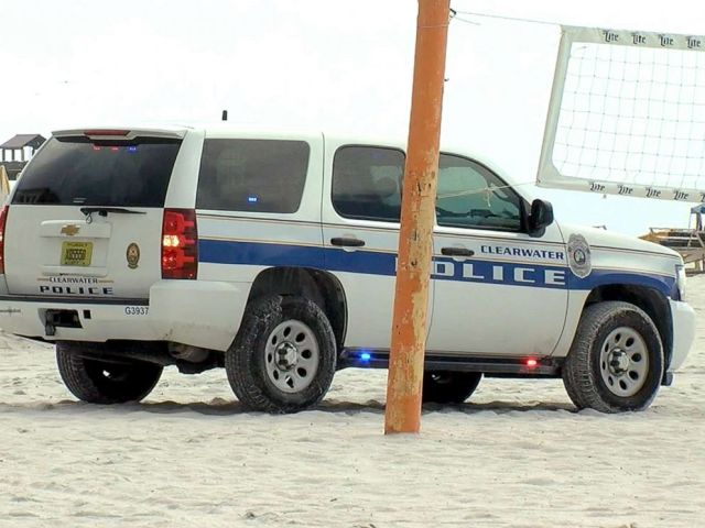 PHOTO: Police respond to reports of injuries following a lightning strike at Clearwater Beach, Fla., July 21, 2019.