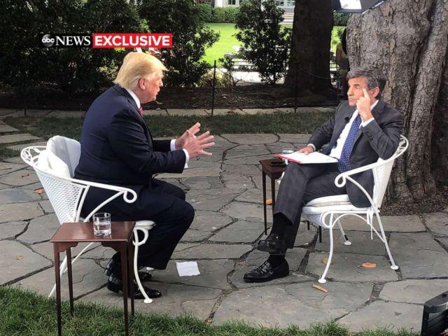 ФОТО: Новости ABC Джордж Стефанопулос беседует с президентом Дональдом Трампом в Белом доме в Вашингтоне, 12 июня 2019 года.