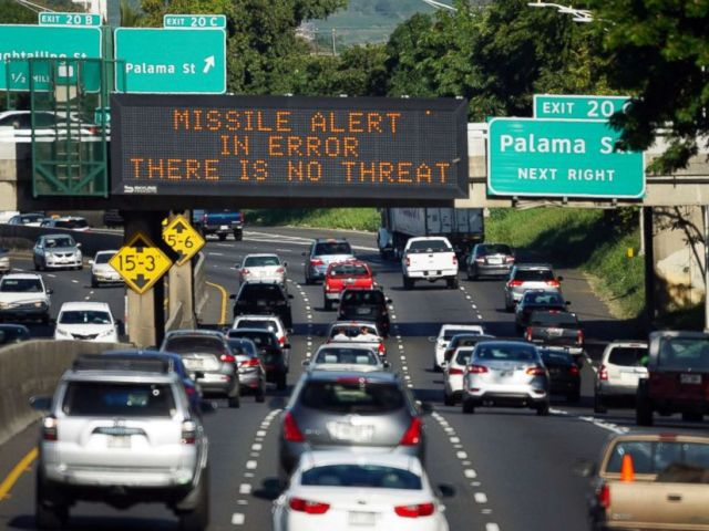 PHOTO: A highway sign reads MISSILE ALERT ERROR THERE IS NO THREAT on the H-1 Freeway in Honolulu, Hawaii, Jan. 13, 2018.
