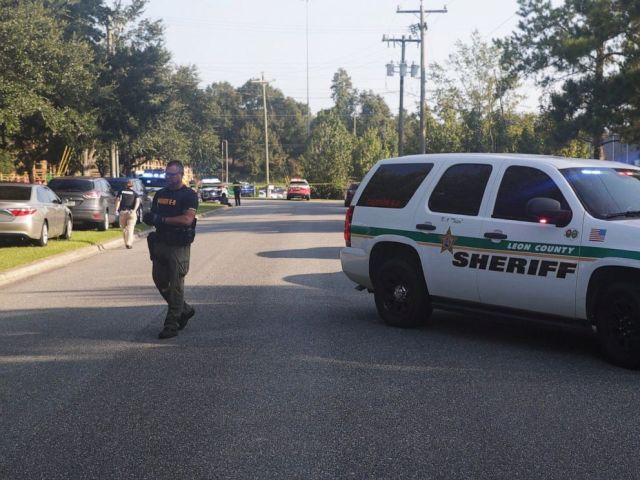 PHOTO: Members of the sheriffs department secure the scene of a multiple stabbing in Tallahassee, Fla., Sept. 11, 2019.