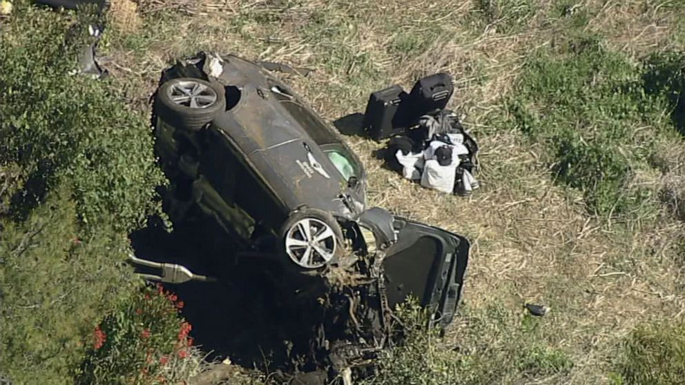 Tiger Woods hurt in rollover car crash in California, in serious condition:  Officials - ABC News