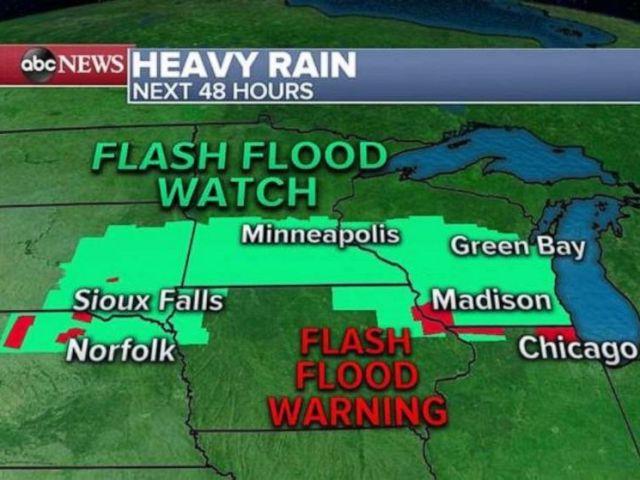 PHOTO: Heavy rain develops.
