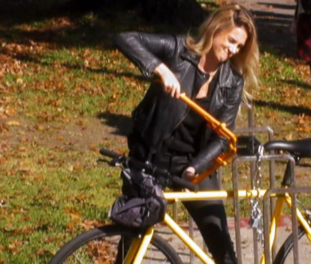 Possible Bike Thief Caught In The Act In Portland Video Abc News