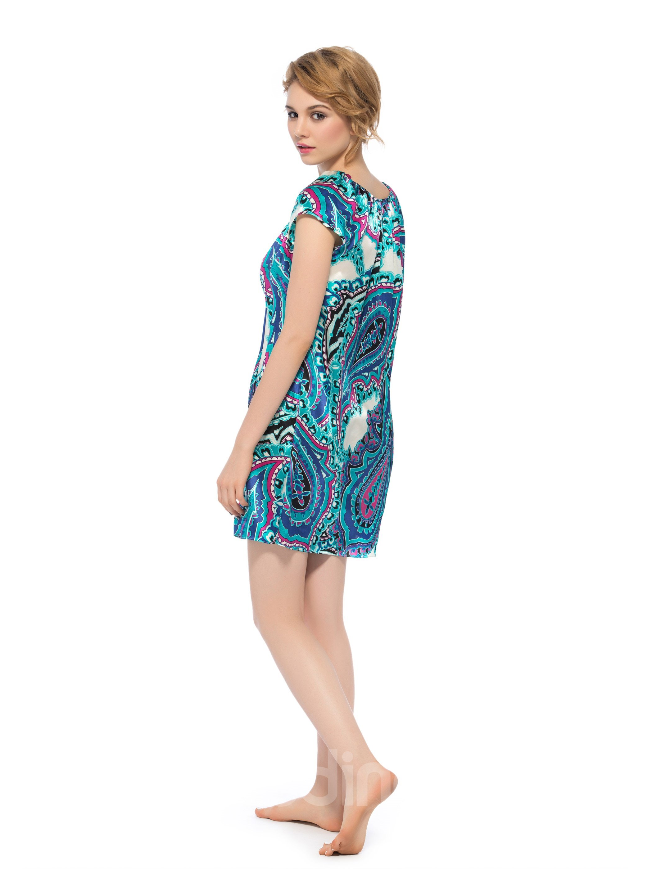 Beautiful Paisley Pattern Stretch Neckline With Cute