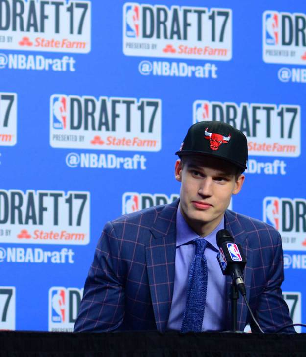 Lauri Markkanen sits during the 2018 draft